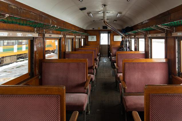 ストーブ列車の車内