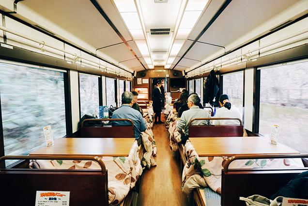 三陸鉄道 こたつ列車 車内