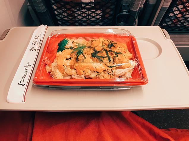東北新幹線 ウニ丼