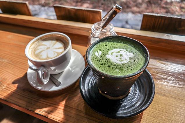 カフェラテと抹茶ラテ