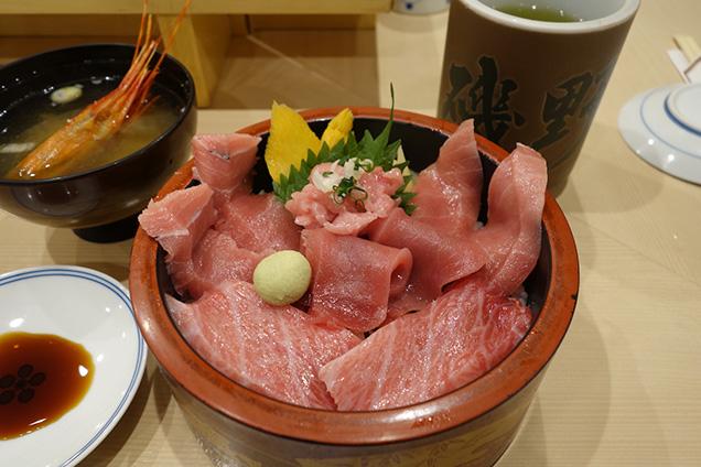 豊洲市場 グルメ 磯寿司 鮪づくし丼