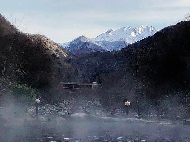 露天風呂から眺める槍ヶ岳