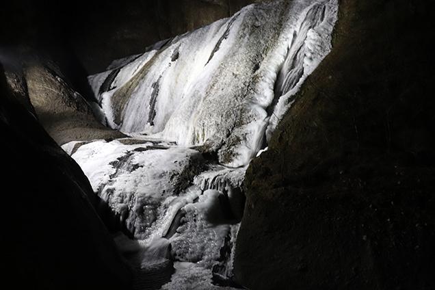 袋田の滝 夜のライトアップ