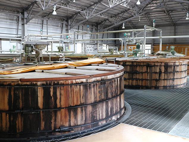 ウイスキーを発酵させる木桶