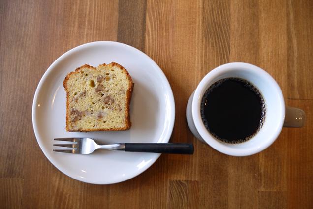 バナナブレッドとコーヒー