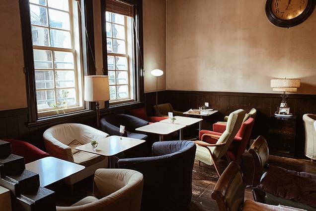 「カフェ ド グランボワ」店内