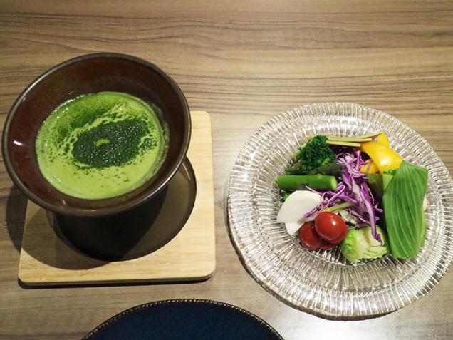 彩り野菜の茶~ニャカウダ