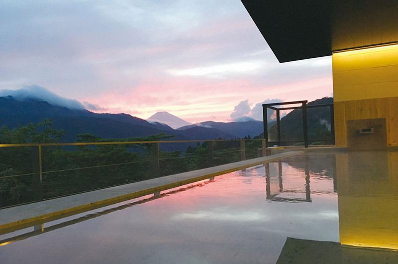 芦ノ湖周辺の大自然を望む絶景温泉で非日常体験