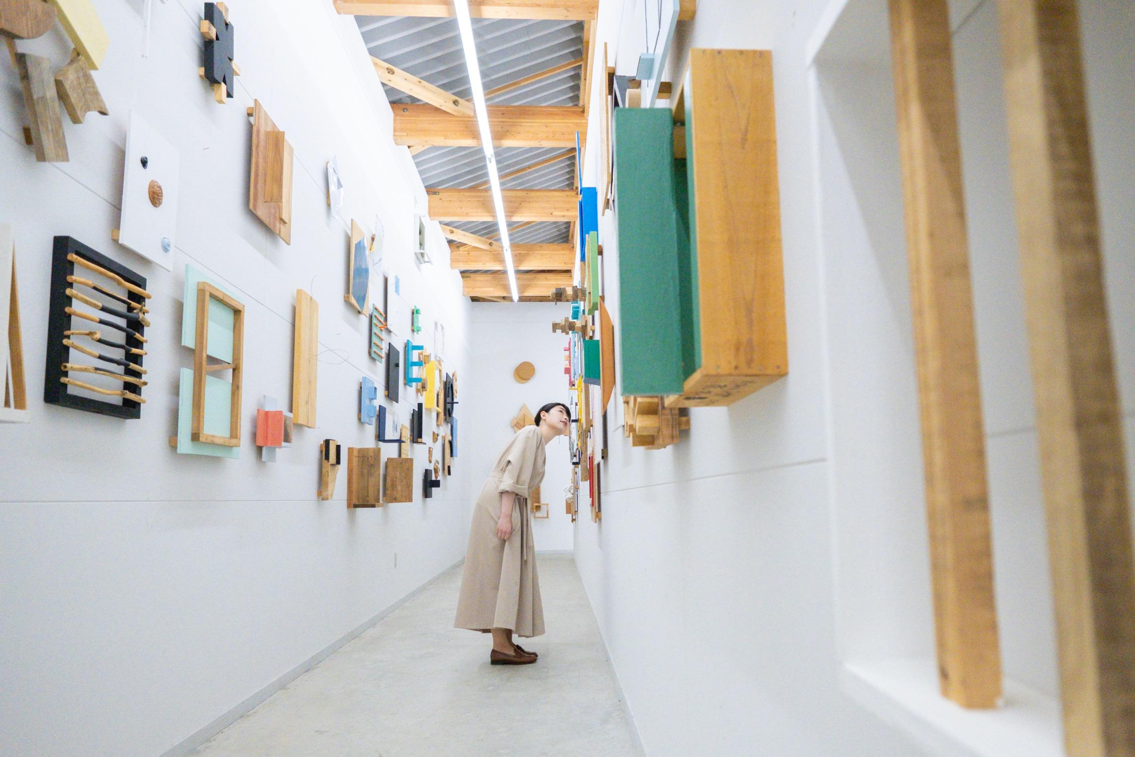 あえてひとりで泊まりたい名宿へ。栃木の温泉宿で現代アートに浸る