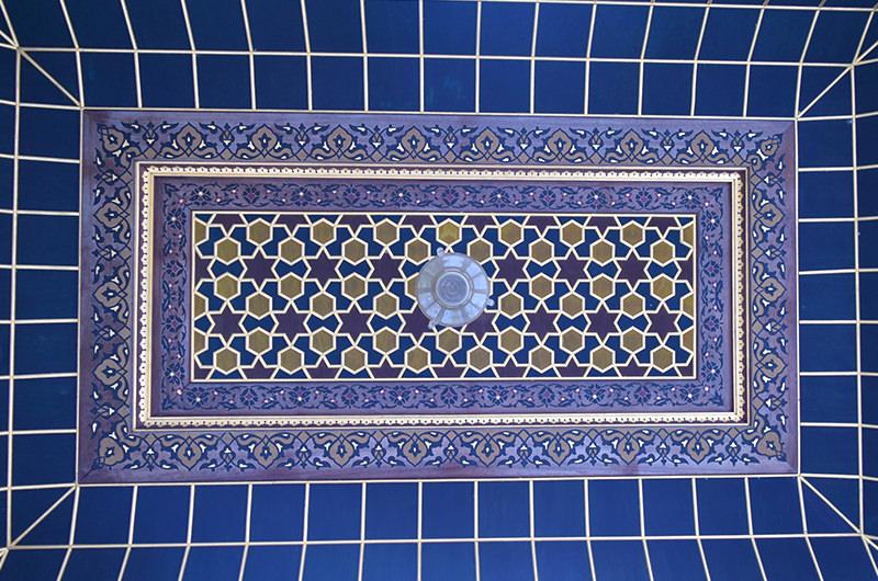 礼拝堂の階段の天井