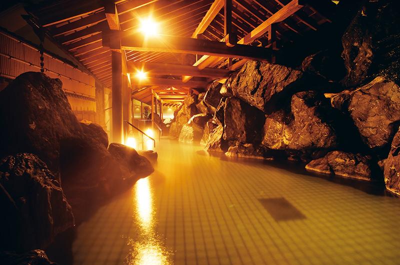 新潟・月岡温泉でチルな大人旅。地元ライター絶賛の「美人の湯」へ!