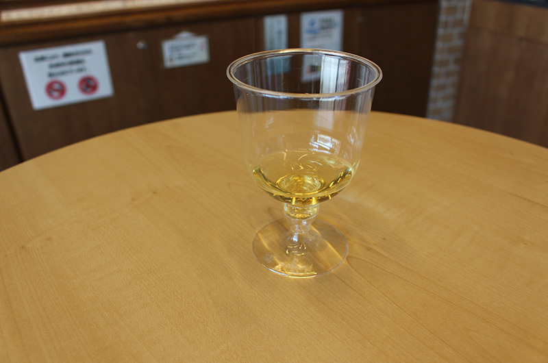 石和温泉駅観光案内所内ワインサーバ