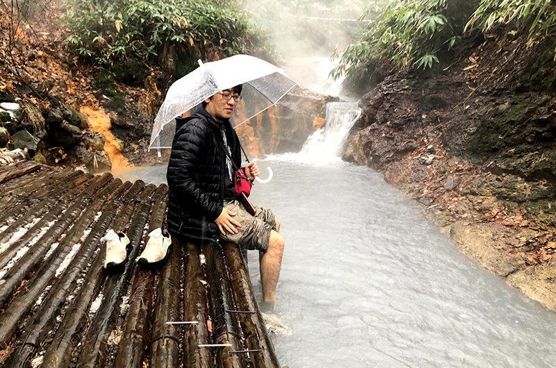 「大湯沼川天然足湯」は川全体が足湯になっている!