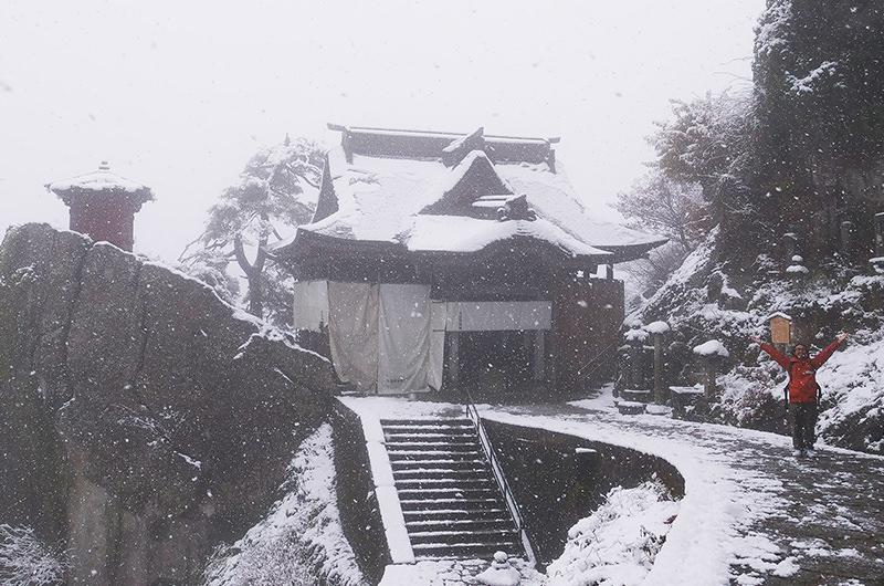 冬の山寺を徹底案内。芭蕉ゆかりの古刹で絶景を楽しむ男ひとり旅