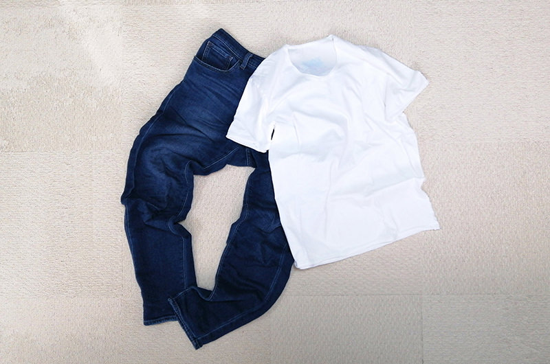 ジーンズとTシャツ