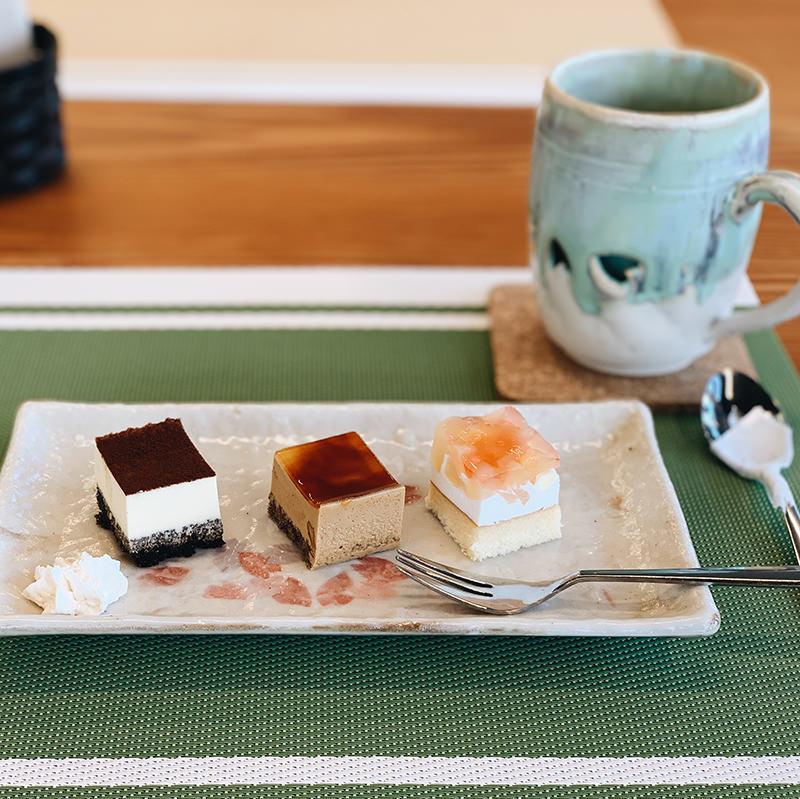 ホットコーヒー 本日のケーキ