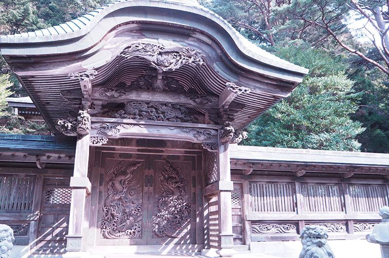 金華山黄金山神社 本殿