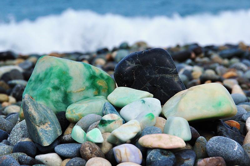 ヒスイなどの石
