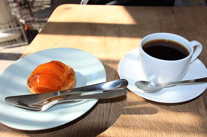 コーヒー 柑橘のタルト
