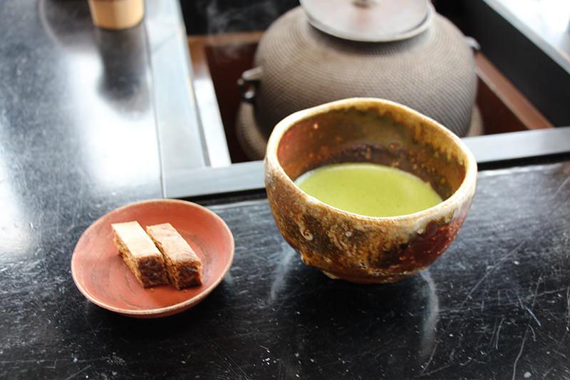 抹茶 九州の銘菓「黒棒」