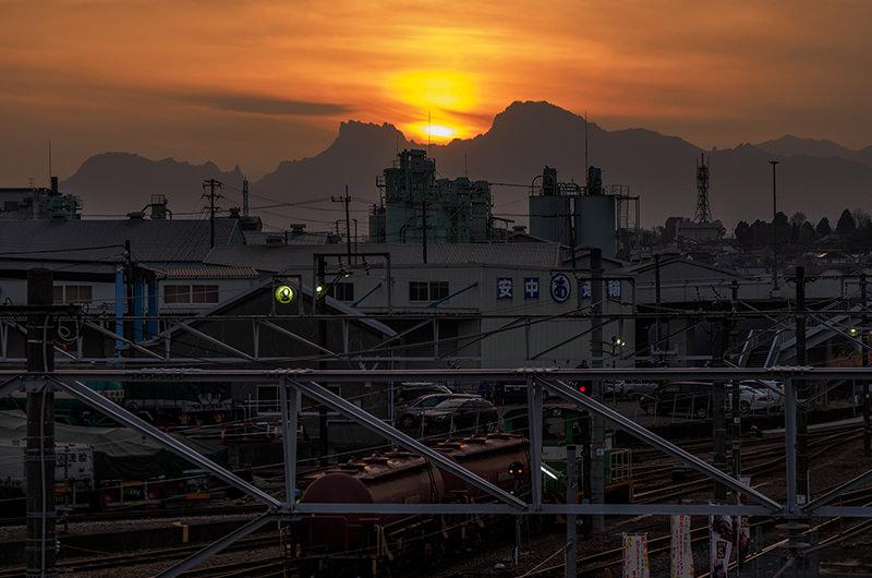 妙義山へ沈む夕日