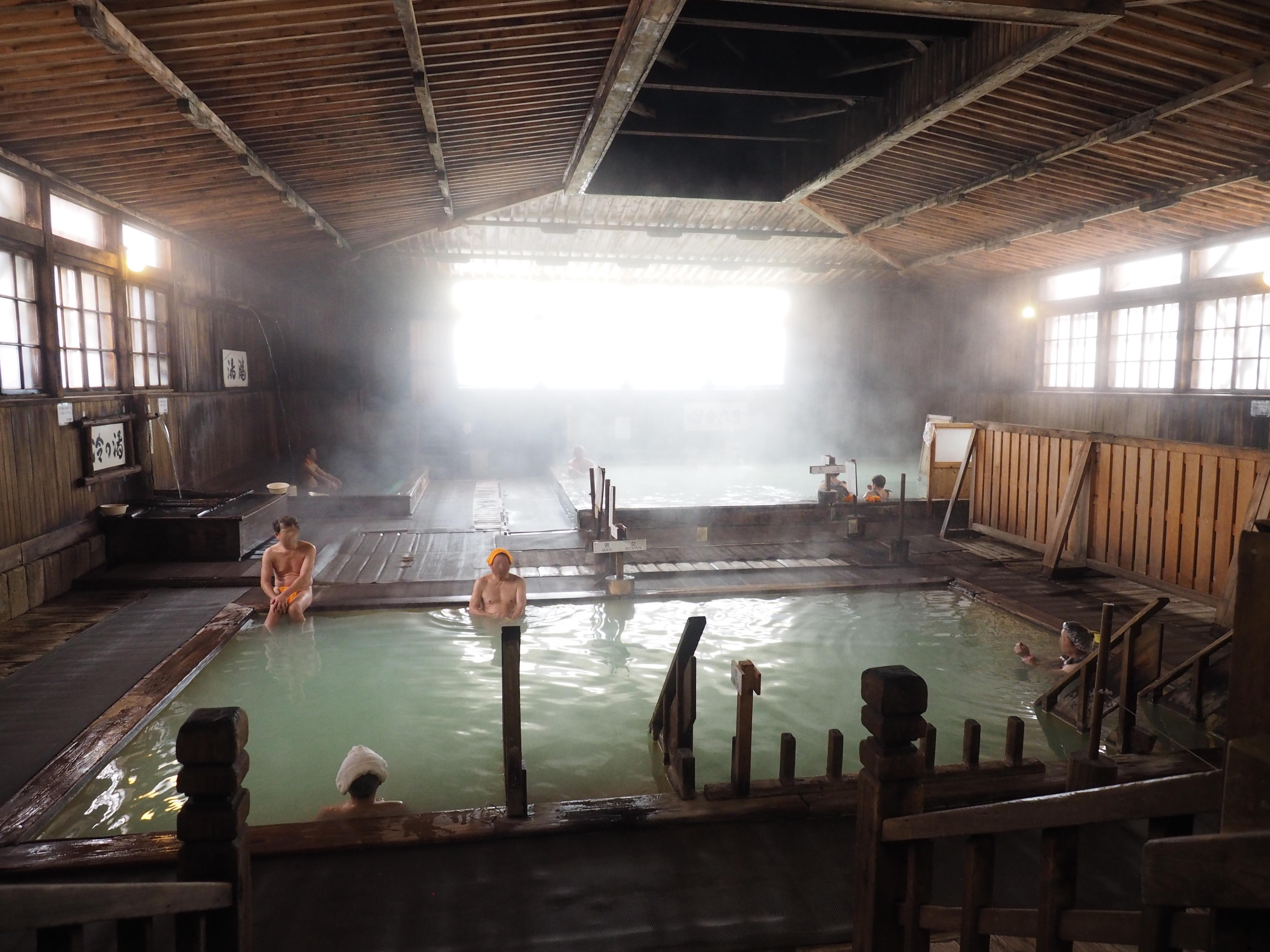 ヒバ千人風呂