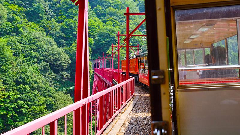 黒部峡谷トロッコ電車 新山彦橋付近
