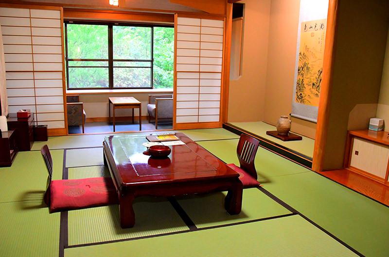ホテル十和田荘 客室