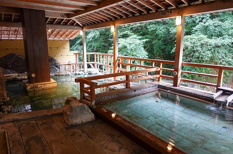 渓流露天風呂 四万川の湯