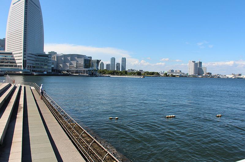 横浜ハンマーヘッド横からの眺め
