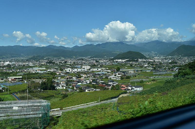 八王子駅と甲府駅のあいだの車窓