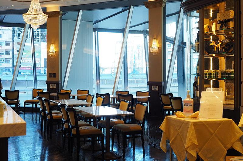 Café Cova Milano 店内
