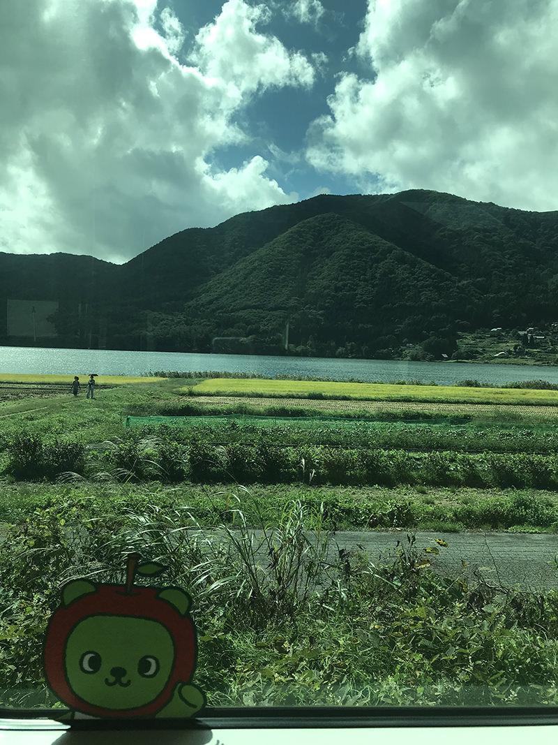 車窓 木崎湖