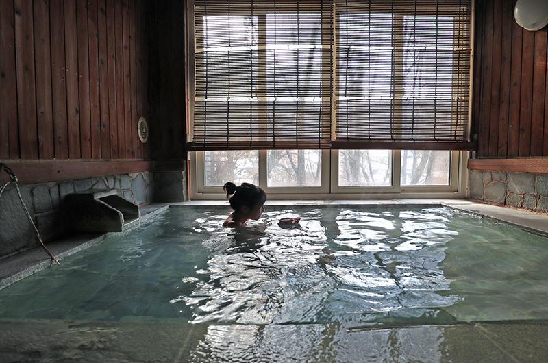 1,000湯制覇の温泉通が案内する、蔵王温泉湯めぐり旅。足元湧出泉が最高!