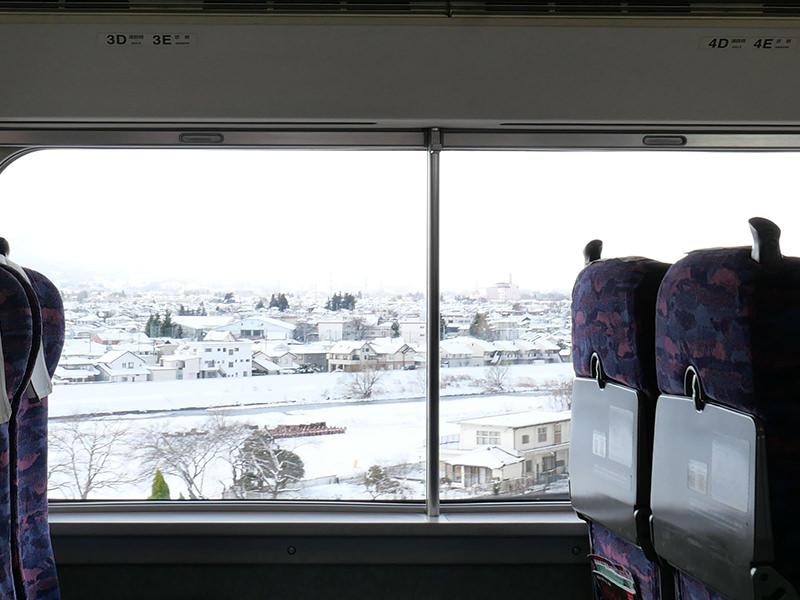 雪景色の車窓
