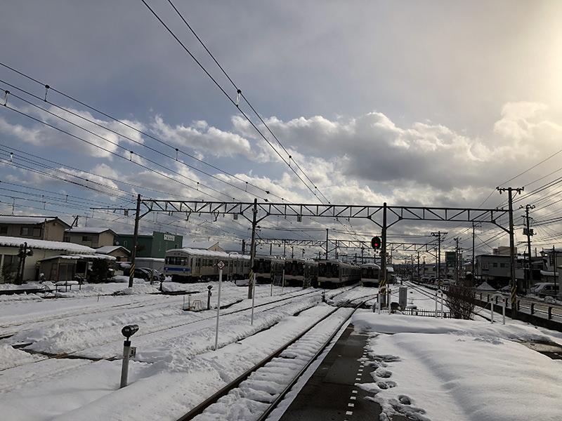 桜水駅の車庫
