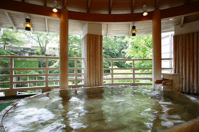 水上館 樽型露天風呂