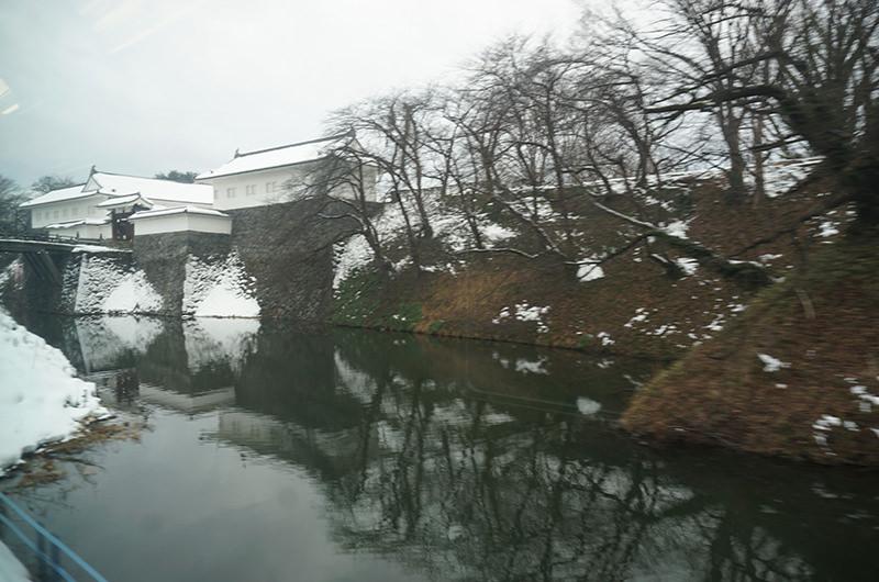 列車から見える山形城跡