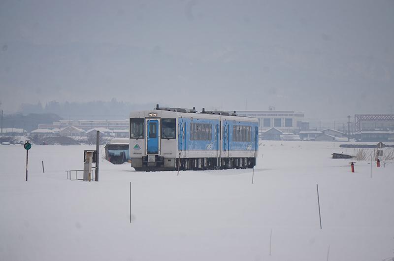 雪原を走る左沢線