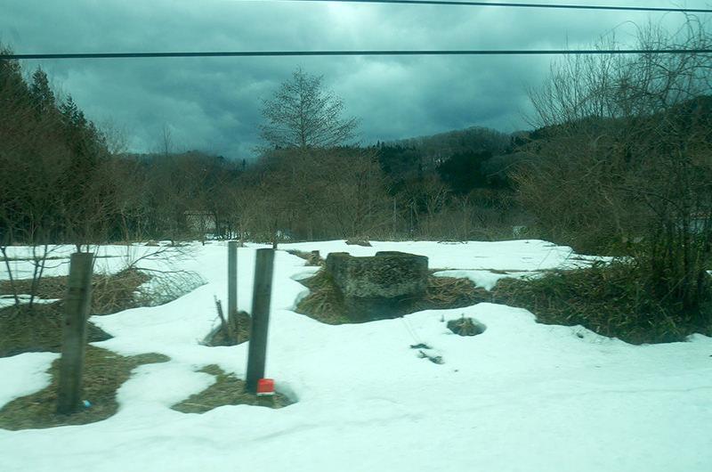 車窓 雪景色