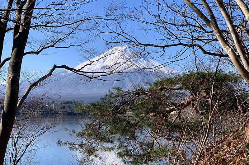 産屋ヶ崎から望む富士山