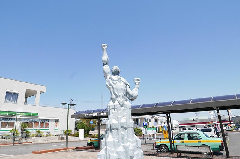 須賀川駅前 モニュメント