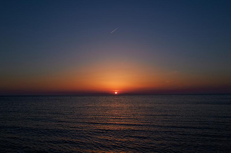 生地海岸に沈む夕陽