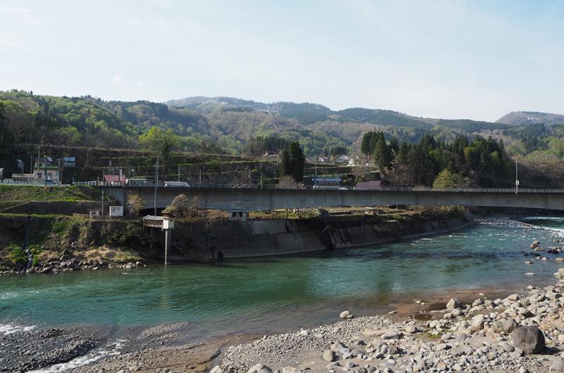 千曲川を望む