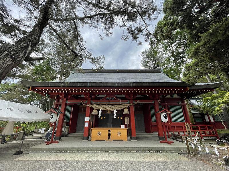 生島足島神社 内殿